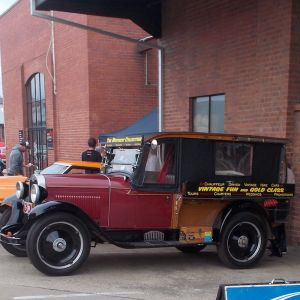 Vintage Fun Hire Cars - Find Attractions