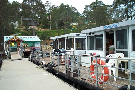 Clyde River Houseboats - Find Attractions