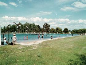 Millicent Swimming Lake - Find Attractions