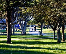 Paradise Point Parklands - Find Attractions