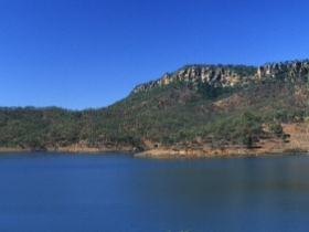 Lake Cania - Find Attractions