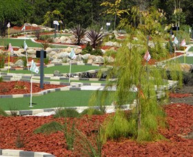 18 Hole Mini Golf - Club Husky - Find Attractions