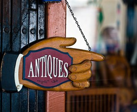 Bowning Antique Centre - Find Attractions