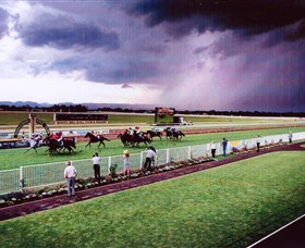 Hawkesbury Race Club - Find Attractions