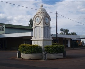 Barcaldine War Memorial Clock - Find Attractions