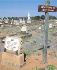 Blackall Cemetery - Find Attractions