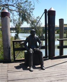 Captain John Egge Statue - Find Attractions