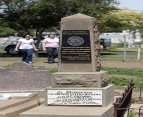 Historical Cemetery Moree - Find Attractions
