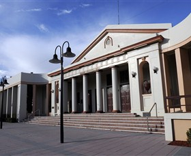 Moree Heritage and Art Deco Guided Walk - Find Attractions