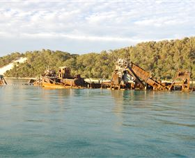Tangalooma Wrecks Dive Site - Find Attractions