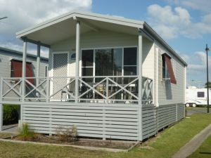 Belmont Pines Lakeside Holiday Park - Find Attractions
