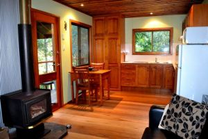 Waterfall Hideout-Rainforest Cabin for Couples - Find Attractions
