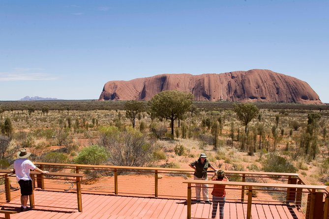 Uluru Small Group Tour including Sunset - Find Attractions