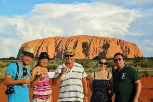 Ayers Rock Day Trip from Alice Springs Including Uluru Kata Tjuta and Sunset BBQ Dinner - Find Attractions